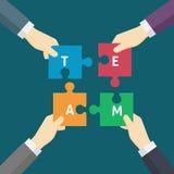 Mão de Team Work Illustration Of Businessman que guarda a parte do enigma Foto de Stock
