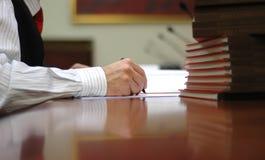 Mão do director empresarial Fotos de Stock Royalty Free