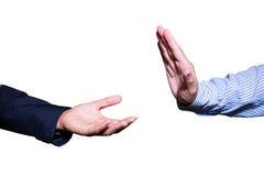 Mão do homem de negócio aberta e pronta para receber ou ajudar equipe a mão que mantém algo vazio isolado no fundo branco Imagens de Stock Royalty Free