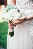 Mão do recém-casado Imagem de Stock