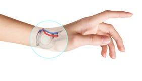 Mão do robô dentro da mão humana Conceito da prótese da mão Fotografia de Stock Royalty Free
