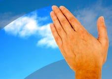 Mão e céu Imagem de Stock