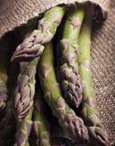 Mão fresca aspargo escolhido Imagens de Stock