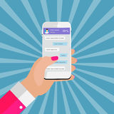 Mão móvel do conceito de Apps que guarda o telefone Conceito social da rede ilustração royalty free