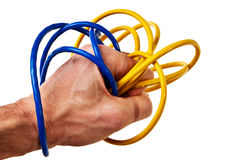 Mão masculina branca envolvida com a correcção de programa azul e amarela Imagens de Stock Royalty Free