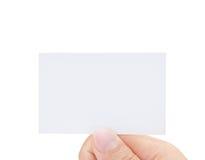 Mão masculina que prende o cartão em branco imagens de stock