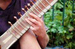 Mão no Sitar Foto de Stock Royalty Free