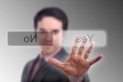 A mão pressiona a tecla Fotografia de Stock Royalty Free