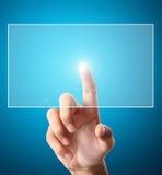 Mão que empurra em uma relação da tela de toque Fotos de Stock