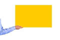 Mão que guardara o cartão Imagens de Stock Royalty Free