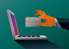 Mão que guardara um cartão de crédito Imagens de Stock