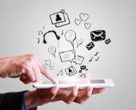 Mão que joga o telemóvel moderno Imagens de Stock Royalty Free