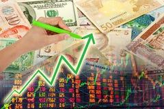 Mão que mostra o gráfico Imagem de Stock