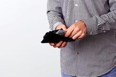Mão que puxa 100 dólares de cédulas Fotos de Stock Royalty Free