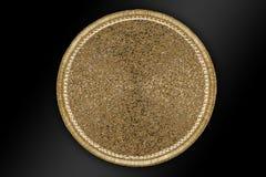 A mão redonda árabe e indiana do ouro perlou e Placemats feito a mão imagem de stock