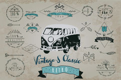 Mão retro grupo tirado de logotipo do vintage com carro Imagens de Stock