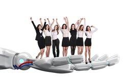 A mão robótico guarda o grupo de executivos rendição 3d Fotografia de Stock Royalty Free