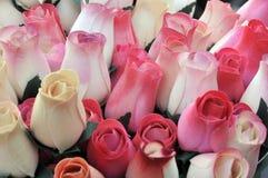 Mão - rosas de madeira feitas Fotos de Stock Royalty Free