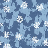 Mão sem emenda teste padrão tirado com os flocos de neve em cores azuis Foto de Stock Royalty Free