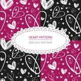 Mão sem emenda textura branca tirada do coração no backgr cor-de-rosa e preto Imagens de Stock