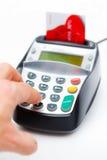 Mão usando a microplaqueta e o Pin Machine Imagem de Stock Royalty Free