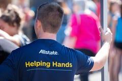 Mãos amiga de Allstate imagens de stock