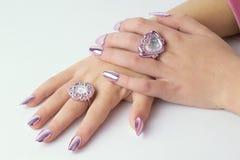 Mãos bonitas dobradas Fotos de Stock