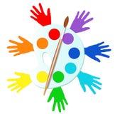 Mãos coloridas com pinturas e armação Fotografia de Stock Royalty Free