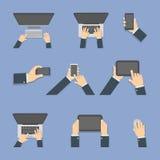 Mãos com dispositivos ilustração do vetor