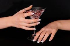 Mãos com manicure francês Foto de Stock