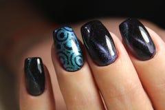 Mãos com tratamento de mãos bonito Fotografia de Stock Royalty Free