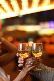 Mãos com vidros do champanhe Fotos de Stock Royalty Free