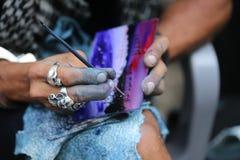 Mãos da escova de pintura imagem de stock