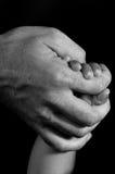 Mãos da filha e do pai Foto de Stock Royalty Free