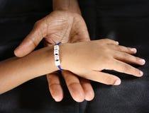 Mãos das gerações.! Fotos de Stock Royalty Free