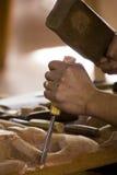 Mãos de cinzelamento Imagens de Stock Royalty Free