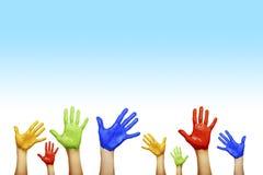 Mãos de cores diferentes Fotos de Stock Royalty Free