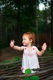 Mãos de ondulação da menina Fotografia de Stock Royalty Free