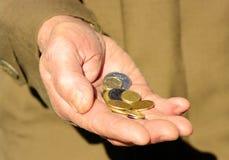Mãos de um pedinte fotografia de stock royalty free