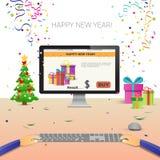 Mãos decoradas do computador do local de trabalho usando a decoração de datilografia da venda do Natal do Internet do ano novo fe Fotografia de Stock Royalty Free