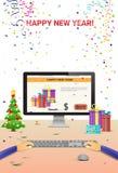 Mãos decoradas do computador do local de trabalho usando a decoração de datilografia da venda do Natal do Internet do ano novo fe Imagens de Stock