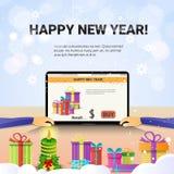 Mãos decoradas do laptop do local de trabalho usando a decoração de datilografia da venda do Natal do Internet do ano novo feliz ilustração do vetor