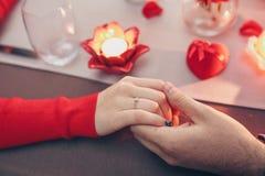 Mãos do amor foto de stock