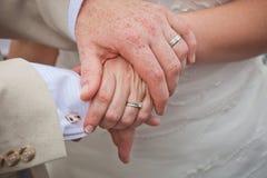 Mãos do casamento Fotografia de Stock