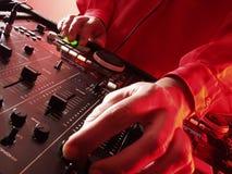 Mãos do DJ. Fotos de Stock Royalty Free