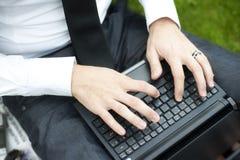 Mãos do homem de negócios Imagem de Stock