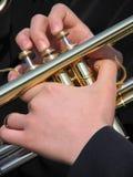 Mãos do músico fotografia de stock