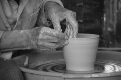Mãos do oleiro Imagem de Stock Royalty Free