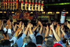 Mãos do palanquin dos portadores do santuário imagens de stock royalty free