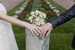Mãos do par Imagem de Stock Royalty Free